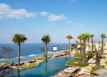 Cliffside Escape: An Exquisite Easter at Six Senses Uluwatu, Bali
