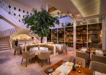 MAURI Earns Wine Spectator Restaurant Award