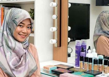 A Chat With Make-Up Artist Arsya Nafisa