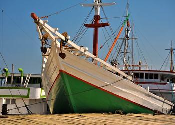 Makassar:  A Living Maritime Heritage of Island Traders