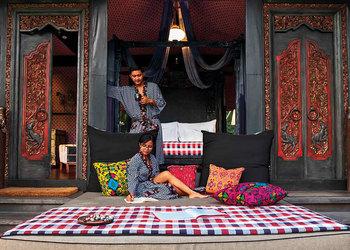 Bali's Amorous Escapes