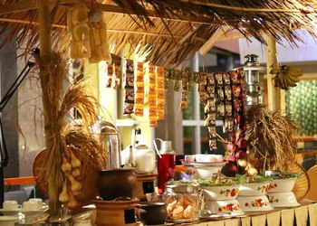 The New Buffet Dinner at Wyndham is Inspired by Indonesian Kampung Cuisine