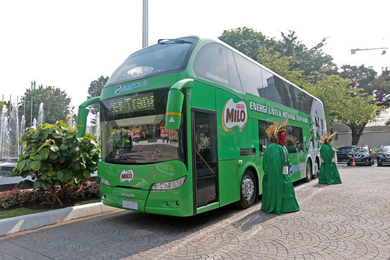 Nestlé Indonesia Grants City Tour Bus to TransJakarta | NOW