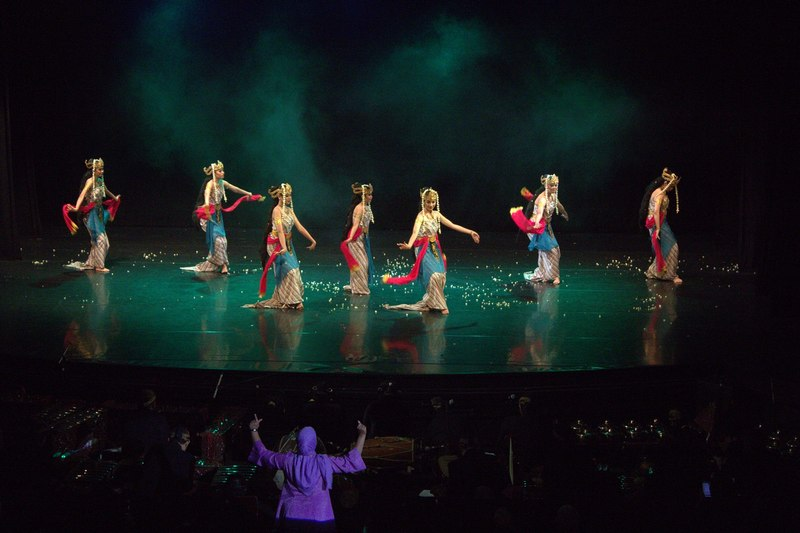 Dancers performing the Bedhaya dance